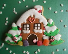 Gingerbread House by Brenda's Cakes - Ohio, via Flickr