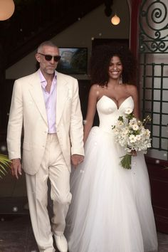 French Model Tina Kunakey Wears Custom Vera Wang at Her Wedding to Actor Vincent Cassel : The couple tied the knot in France's Basque country. Vincent Cassel, Bridal Gowns, Wedding Gowns, Bouquet Wedding, Natural Hair Wedding, Natural Hair Brides, Tina Kunakey, The Knot, Pelo Natural