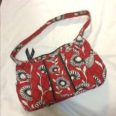 d50bab426d Vera Bradley Sophie Purse in Retired Deco Daisy In like-new condition
