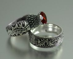 BLOOMING THISTLE ring with garnet and matching band ring