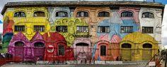 Romeregorge de monuments et d'oeuvres d'art reconnus dans le monde entier. Mais la ville éternelle vibre aussi au rythme des graffitis et de l'art urbain, au même titre que Paris, New York, Berlin ou Montréal. Direction la capitale italienne pour une découverte qui vaut le détour! Qu'il soit guidé par l'humour, l'engagement ou lesjeux d'illusion, l'art urbain romain est empreint de talent, de couleur et de poésie. Voyez plutôt! Bellissimo, vous ne trouvez pas?  Source : Pinterest