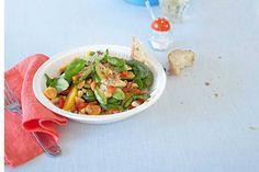 Das Rezept für Avocado-Mandel-Salat mit Orangen-Dressing mit allen nötigen Zutaten und der einfachsten Zubereitung - gesund kochen mit FIT FOR FUN