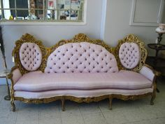 Victorian Couch 0910 002