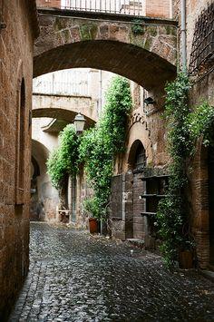Medieval, Orvieto, Italy  photo via michele