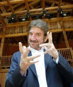 http://www.ilprofumodelladolcevita.it/content/tutto-sommato-qualcosa-mi-ricordo-gigi-proietti-racconta-50-anni-di-spettacolo