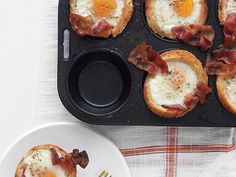 Bacon, Egg, and Toast Cups. Breakfast in a cup!