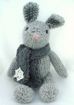 This is Genevie, a knitted bunny. I'm so in love with her !
