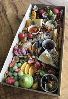Top Ten Grazing Table to Groom Your Event Party Food Buffet, Party Food Platters, Cheese Platters, Deli Platters, Bakery Recipes, Raw Food Recipes, Appetizer Recipes, Breakfast Platter, Gourmet Breakfast