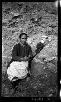 Delphi. Woman spinning. 1924; Dorothy Burr Thompson.