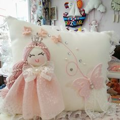 Bebek altın yastığı olqrak bir çok orijinal model buyrun :) Www.melegineli.com dan detaylı bilgi alabilirsiniz sevgiler