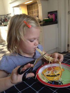 Creatief met eten! Wat een plezier net als pipi langkous.