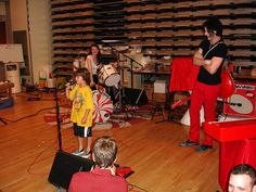 Jack letting a little kid perform on stage Meg White, Jack White, Just Deal With It, Loretta Lynn, The White Stripes, The Great White, Shades Of White, Eye Candy, Secret Admirer