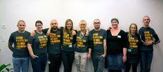 Iført Drivkræftens T-shirt lod P3-værter sig kronrage for at støtte unge med kræft