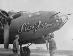 Slo Jo of the Bomb Group with some of her crew, October 1943 Contemporary Photographers, United States Army, Korean War, Nose Art, Military History, World War, Wwii, Aircraft, Plane