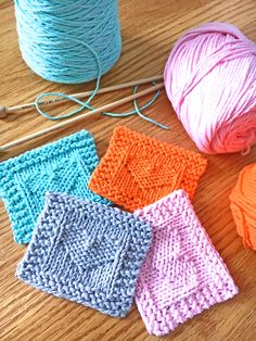 Heart Face Scrubby Free Knitting Pattern - PurlsAndPixels - knitting is so easy . Heart Face Scrubby Free Knitting Pattern – PurlsAndPixels – knitting is as easy as 3 Knit Knitted Heart Pattern, Dishcloth Knitting Patterns, Knitting Charts, Easy Knitting, Loom Knitting, Knit Patterns, Knitting Ideas, Knitted Washcloths, Crochet Dishcloths