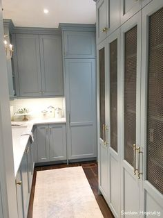 Butler pantry in blue and white traditional kitchen in 2017 Southeastern Designer Showhouse in Atlanta