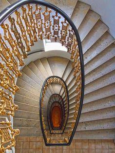 Vienna, Austria, stairs, trappe, gorgeous, beautiful, gold, architechture, arkitektur, swirl, photo.