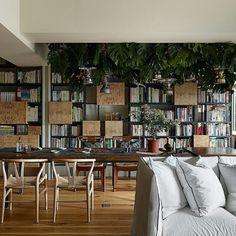 """decoratualma:  """"Un rinconcito de la casa que puedes ver hoy al completo en el blog, minimalista y vanguardista, salvaje y acogedora…  ¡No te la pierdas!  #interiorismo #decoracion #vanguardista http://ift.tt/2eJfTaH  """""""
