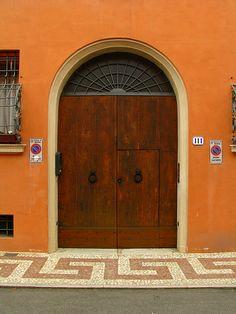 Door, Modena, Italy | Flickr: Intercambio de fotos