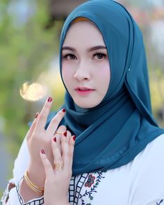 Hijab Girl from the City of Yogyakarta - Angel Hijaber Muslim Girls, Muslim Couples, Muslim Women, Beautiful Hijab Girl, Beautiful Girl Indian, Modern Hijab Fashion, Batik Fashion, Hijab Niqab, Hijab Chic