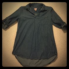 Chicos chambray shirt (with polka dots) Chicos size 0 (equates to small/medium in normal sizing) chambray shirt Chico's Tops Blouses