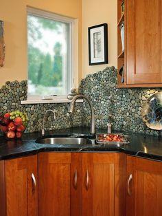 20 Splashy Kitchen Backsplashes