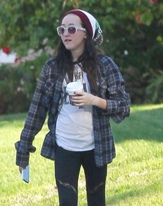 noah cyrus 2013 | Miley Cyrus' little sister Noah Cyrus spotted out with a friend in ...