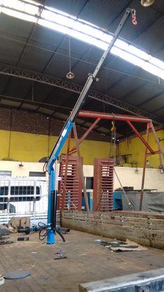 MDR-600 com 2 Lanças Garage Car Lift, Garage Tools, Metal Workshop, Garage Workshop, Metal Projects, Welding Projects, Portable Scaffolding, Mini Lifting, Timber Framing Tools