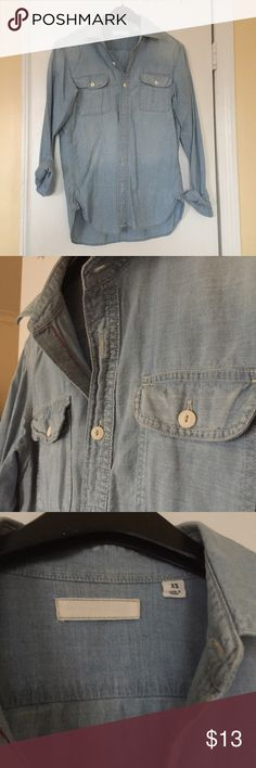 Men's Indigo Chambray Long Sleeve Shirt Men's Uniqlo Indigo Chambray Long Sleeve Shirt in size XS. 100% Cotton. Only worn once...didn't fit. In like new condition. Uniqlo Shirts Casual Button Down Shirts