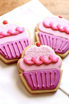 Cupcake sugar cookies - perfect for a little girl's birthday party...