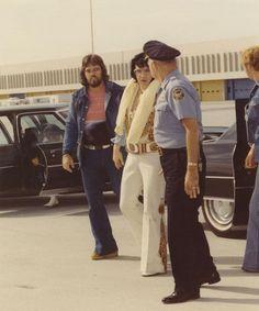 Sonny, Major Hamby, Elvis, Atlanta airport 6-6-76
