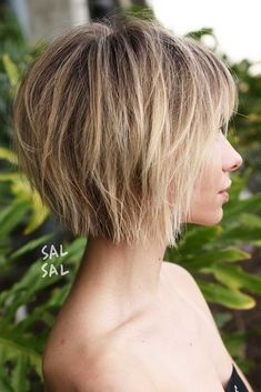 70 Overwhelming Ideas for Short Choppy Haircuts - Best Hair Styles EVER Choppy Bob With Bangs, Short Choppy Haircuts, Short Hair With Layers, Short Bob Hairstyles, Short Choppy Bobs, Short Layered Bobs, Short Bob With Fringe, Short Shaggy Bob, Layered Bob With Bangs