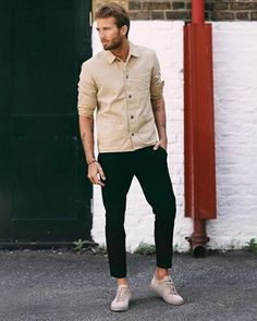 Estilo mankle: calça curta ou dobrada sem meias😉 | @moda.homem | #modamasculina #modaparahomens #men #mens #menstyle #mensfashion #streetfashion #streetstyle #stylish #style #itboy