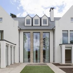 The minimal windows® Guillotine Window and Sieger® Slim Casement Window have been shortlisted for the Build It Awards 2018 in the category of Best Windows. Sliding Windows, Casement Windows, Sliding Glass Door, Glass Doors, Building Development, Steel Windows, Best Windows, Glass Facades, Farmhouse Windows