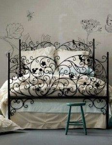 Metal bed frame! More on http://kokopelia.pl/metalowe-lozko/