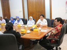 Suasana pertemaun di ruang rapat Wakil Gubernur.