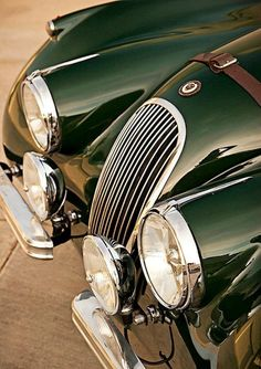 desertmotors: 1954 Jaguar Roadster It is my all time favorite car! Jaguar E-Type pink sports car Luxury Sports Cars, British Sports Cars, Classic Sports Cars, Classic Cars, Jaguar Xk120, Lamborghini, Ferrari, Bugatti, Retro Cars
