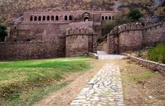 Know More About this Fort why government restrict to stay here at night