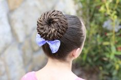 Rope Twist Pinwheel Bun from Cute Girls Hairstyles 5 Minute Hairstyles, Prom Hairstyles For Long Hair, Cute Girls Hairstyles, Unique Hairstyles, Latest Hairstyles, Bun Hairstyles, Pretty Hairstyles, Amazing Hairstyles, Gymnastics Hair