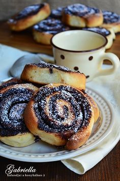 Gabriella kalandjai a konyhában :) Pan Bread, Biscotti, Food Styling, Doughnut, Cookie Recipes, Sweet Tooth, Bakery, Food And Drink, Yummy Food