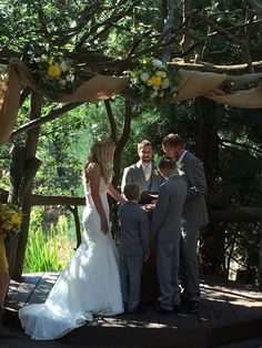 Family rock ceremony at Hidden Creek  I  Pine Rose Cabins  I  Lake Arrowhead outdoor wedding venue