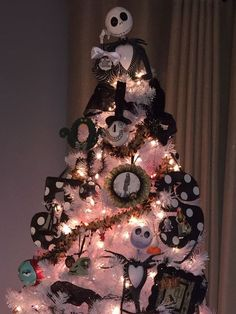 Nightmare Before Christmas tree. Tree topper is a bank but most ornaments are handmade. Nightmare Before Christmas Ornaments, Grinch Christmas Tree, Black Christmas Trees, Christmas Tree Toppers, Diy Christmas Gifts, Christmas Tree Decorations, Christmas Fun, Holiday Fun, Xmas Trees