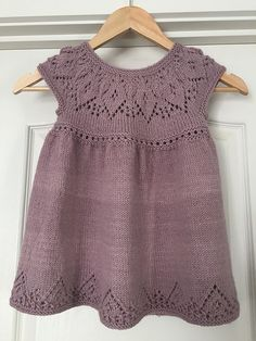 Ravelry: Anya Dress pattern by Suzie Sparkles for baby to 6 year old girl. - Ravelry: Anya Dress pattern by Suzie Sparkles for baby to 6 year old girl. Girls Knitted Dress, Crochet Summer Dresses, Knit Baby Dress, Knitted Baby Clothes, Jumper Dress, Dress Ootd, Crochet Clothes, Baby Dress Patterns, Baby Knitting Patterns