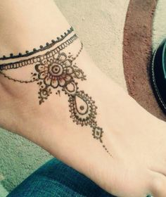 Henna Mehndi tattoo designs idea for ankle Cupid Tattoo, Tattoo Platzierung, Tattoo Band, Mehndi Tattoo, Horus Tattoo, Henna Mehndi, Tattoo Chart, Henna Art, Mehendi