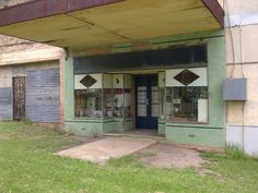 Abandoned shop in Glen Davis, NSW, Australia. Glen Davis was a shale mining town in operation until 1952. It is v. close to Newnes. More: http://en.wikipedia.org/wiki/Glen_Davis,_New_South_Wales