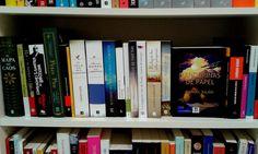 NOVELA CASTELLANO Cover, Books, Home Decor, Maps, Mandarin Oranges, Novels, Paper Envelopes, Livros, Room Decor