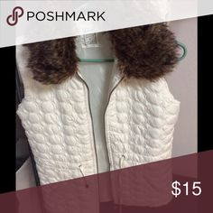 White vest with removable collar White ties at the waist so you can cinch it faux fur collar removable just have never worn it Jackets & Coats Vests