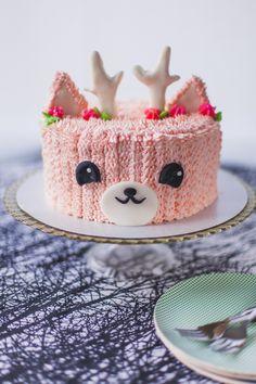 Pink Reindeer Cake! - Coco Cake Land - Cake Tutorials, Cake ... cococakeland.com/tutorials/pink-reindeer-cake/