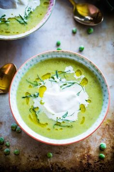 Chunky Pea and Leek Soup with Poached Eggs #pea #leek #soup #egg