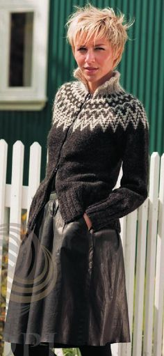 Billedresultat for strikkeopskrifter sweater Fair Isle Knitting Patterns, Sweater Knitting Patterns, Knitting Stitches, Knitting Designs, Ropa Free People, Knit Vest Pattern, Icelandic Sweaters, Knit Jacket, Vintage Knitting